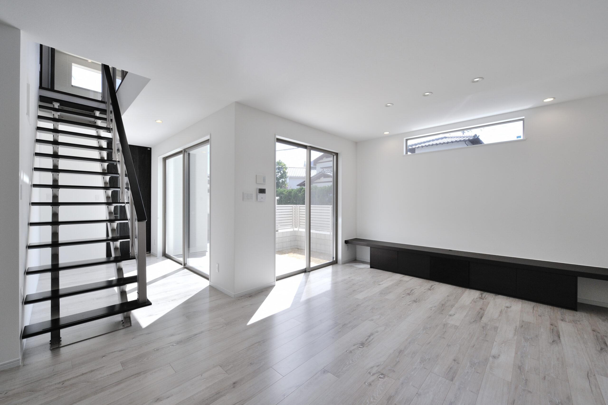 シンプルモダンなお家 オープン階段