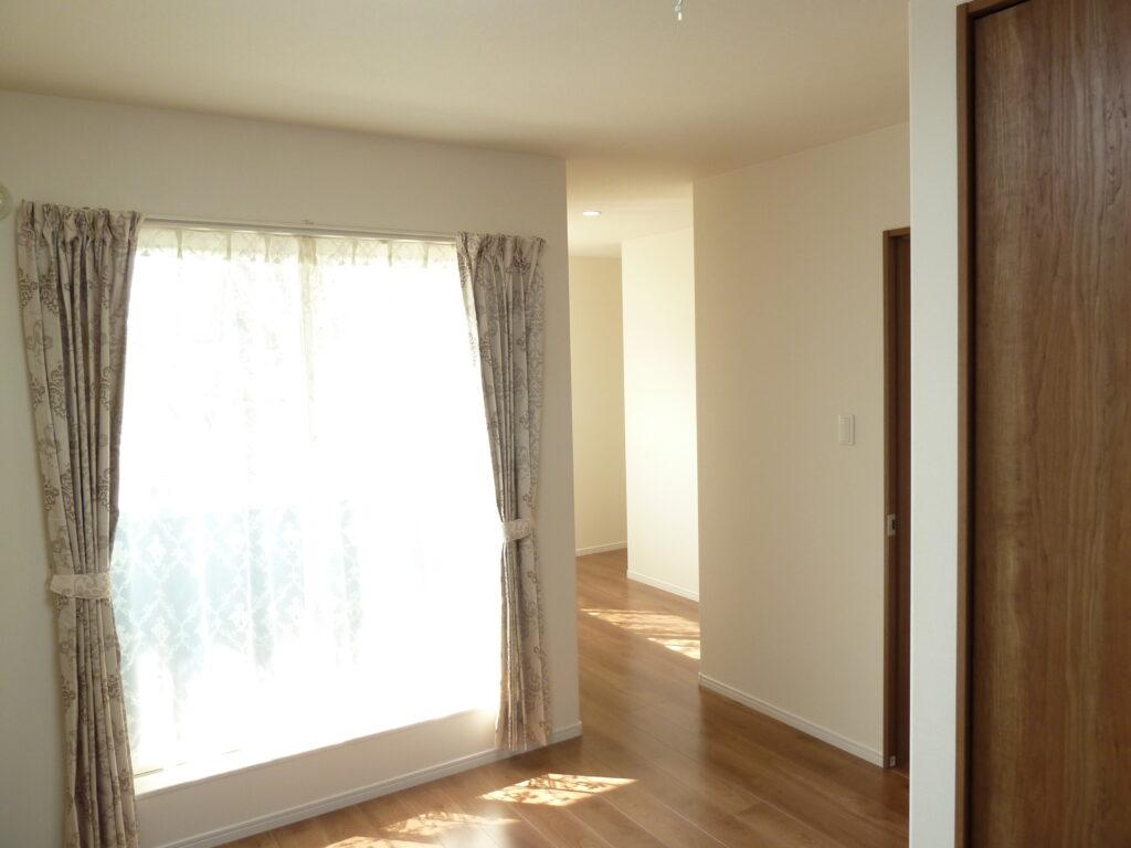 白基調のやさしいお家 寝室