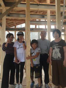 飯塚市Y様邸上棟式 家族写真