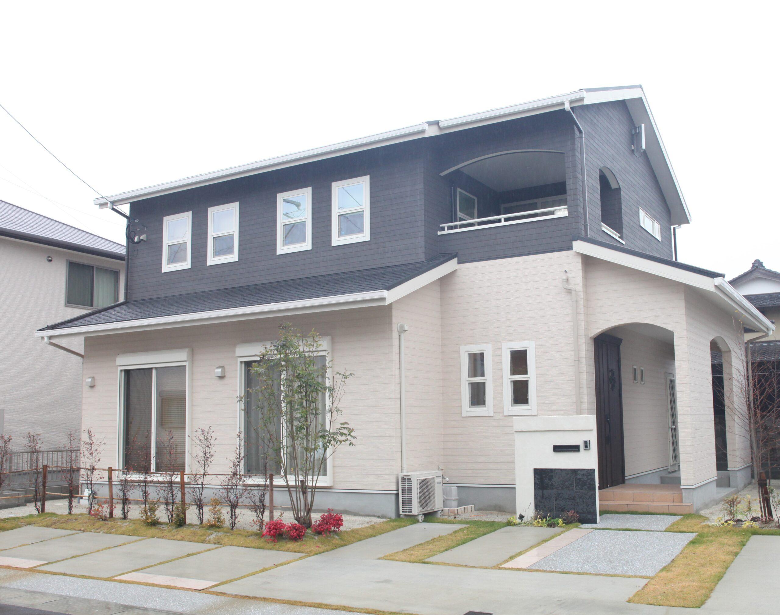 魅せる収納とナチュラルシックな内装の家 外観