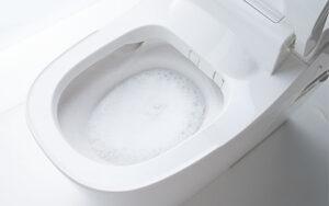 お手入れラクラクのトイレ「アラウーノ」 洗浄中